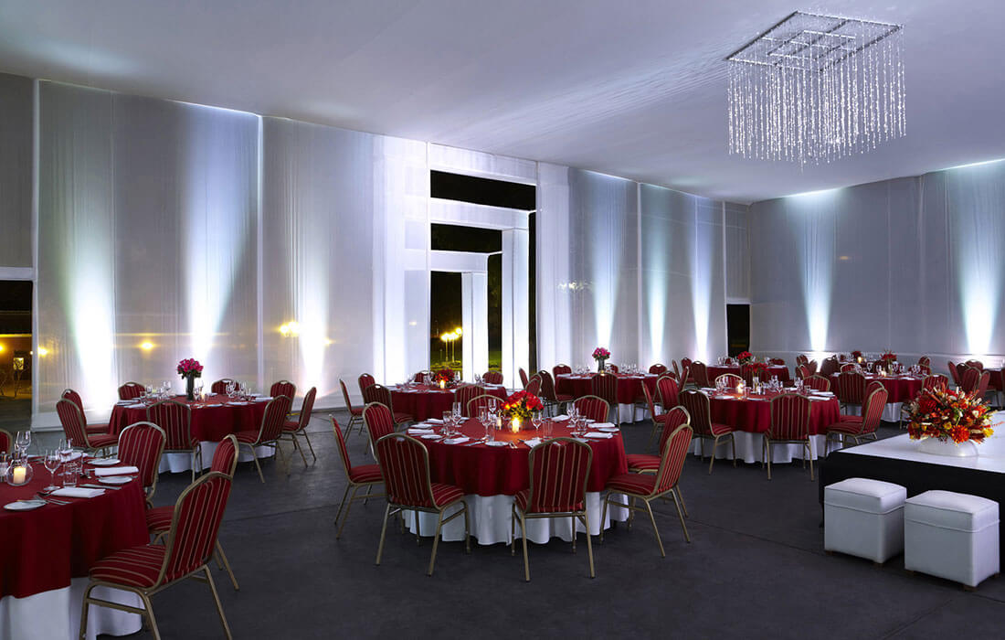 Salón Multiusos Banquete Noche